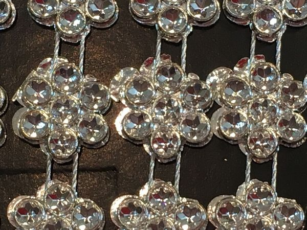 <b>BACK IN STOCK - SPECIAL PURCHASE - Set 2 </B> 10 Metres of Diamante Effect Trim
